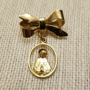 Vtg. Virgin Mary Pin